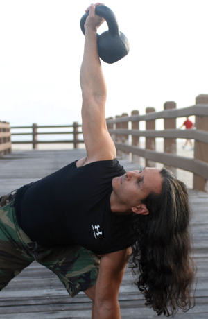 Kettlebell_beach_windmill_cut_06